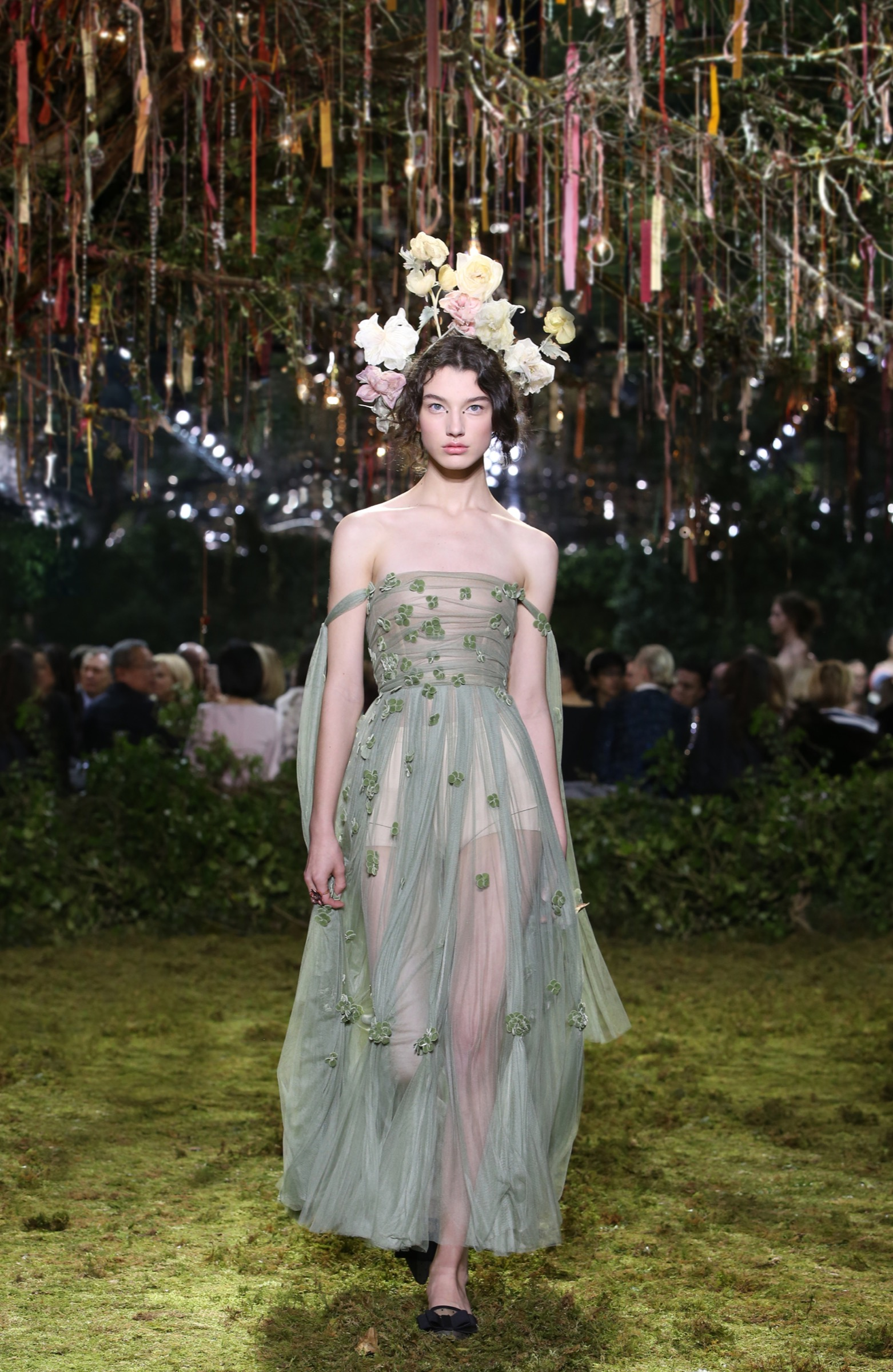 36f860c04e48 A midsummer garden s dream - Christian Dior Couture S S 2017