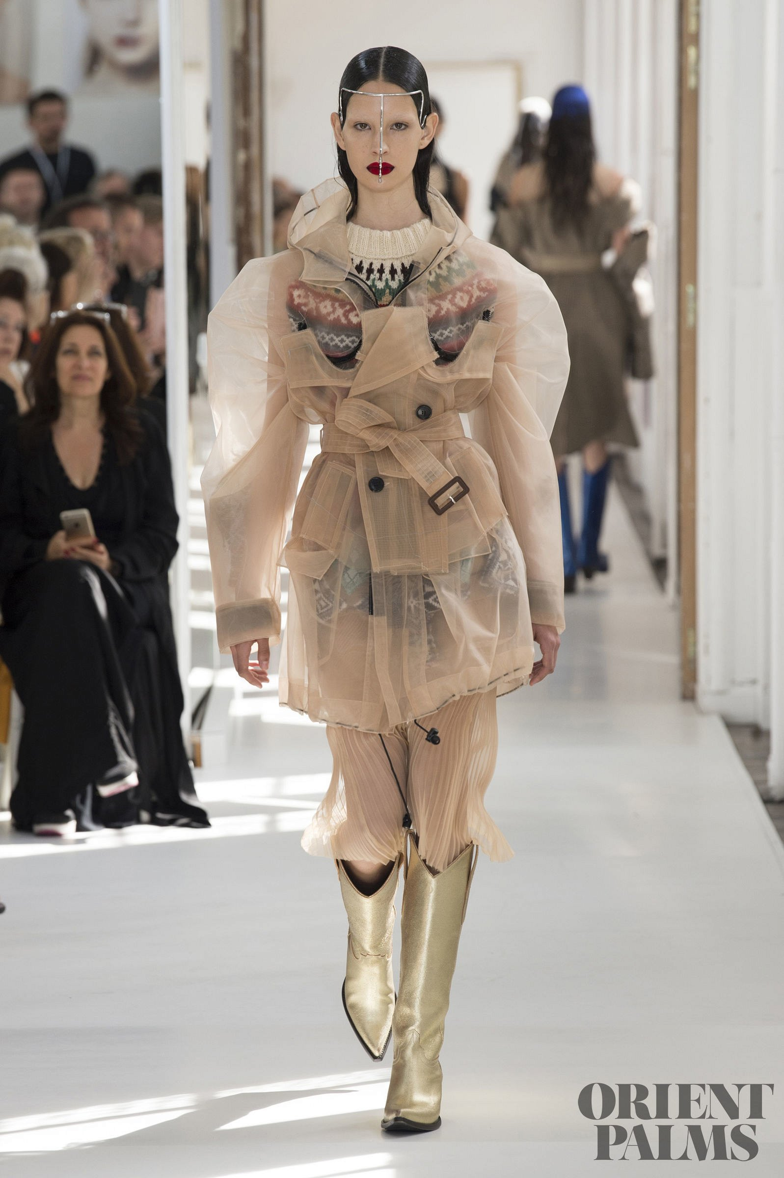 Maison margiela fall winter 2017 2018 couture for Fashion maison