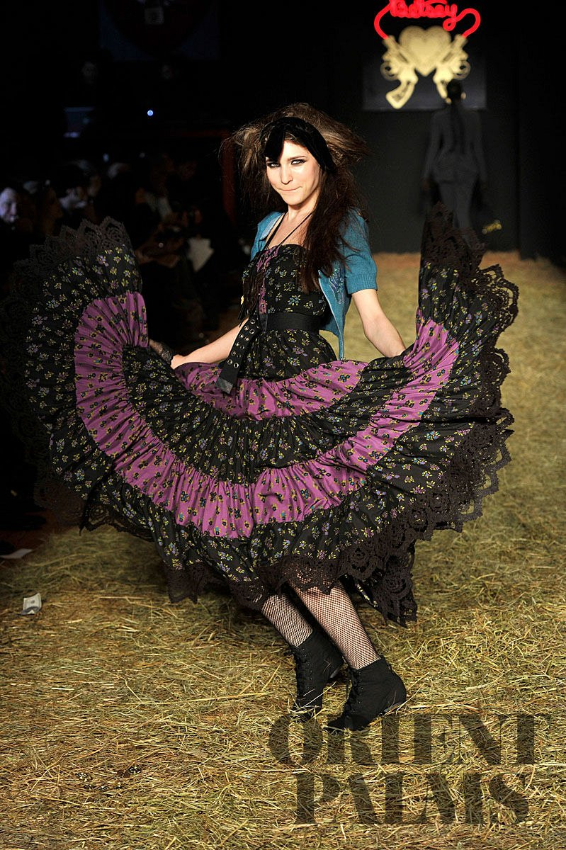 Betsey Johnson Fall-winter 2010-2011 - Ready-to-Wear - 1