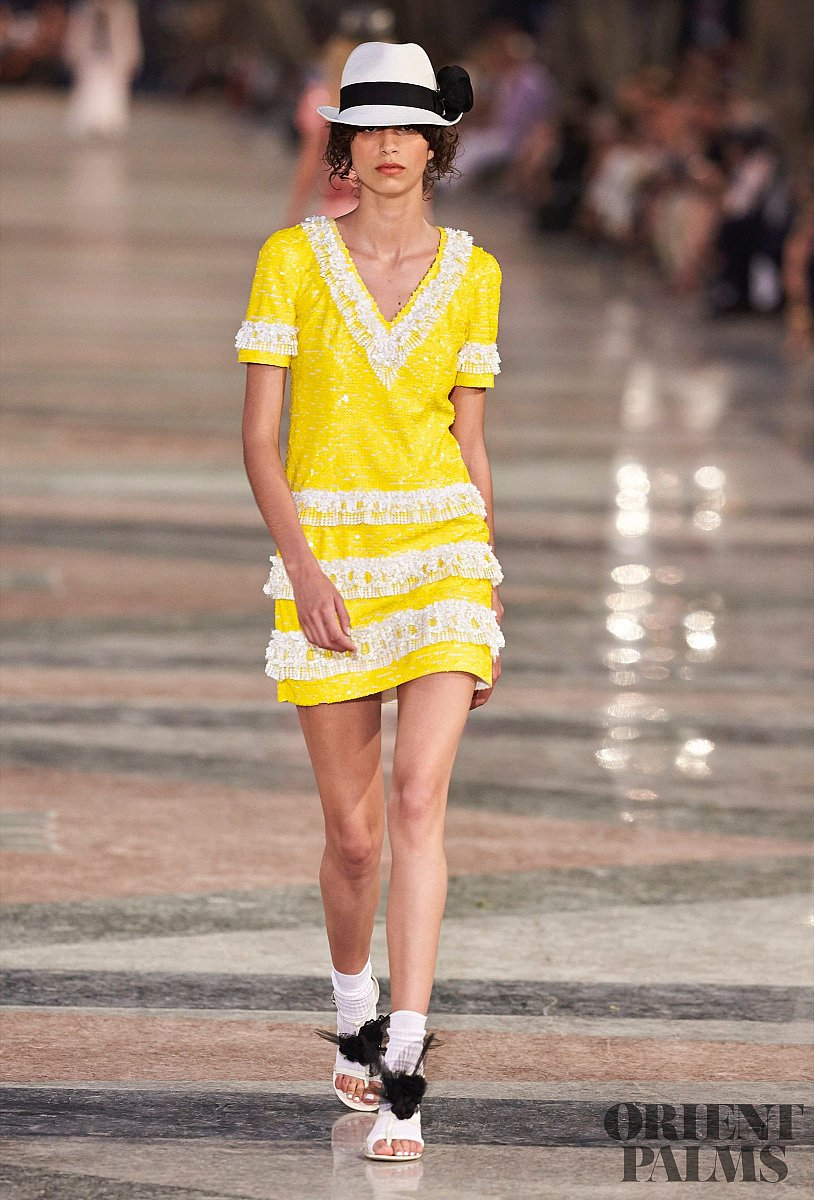 Chanel Cruise 2017 - Ready-to-Wear - 1