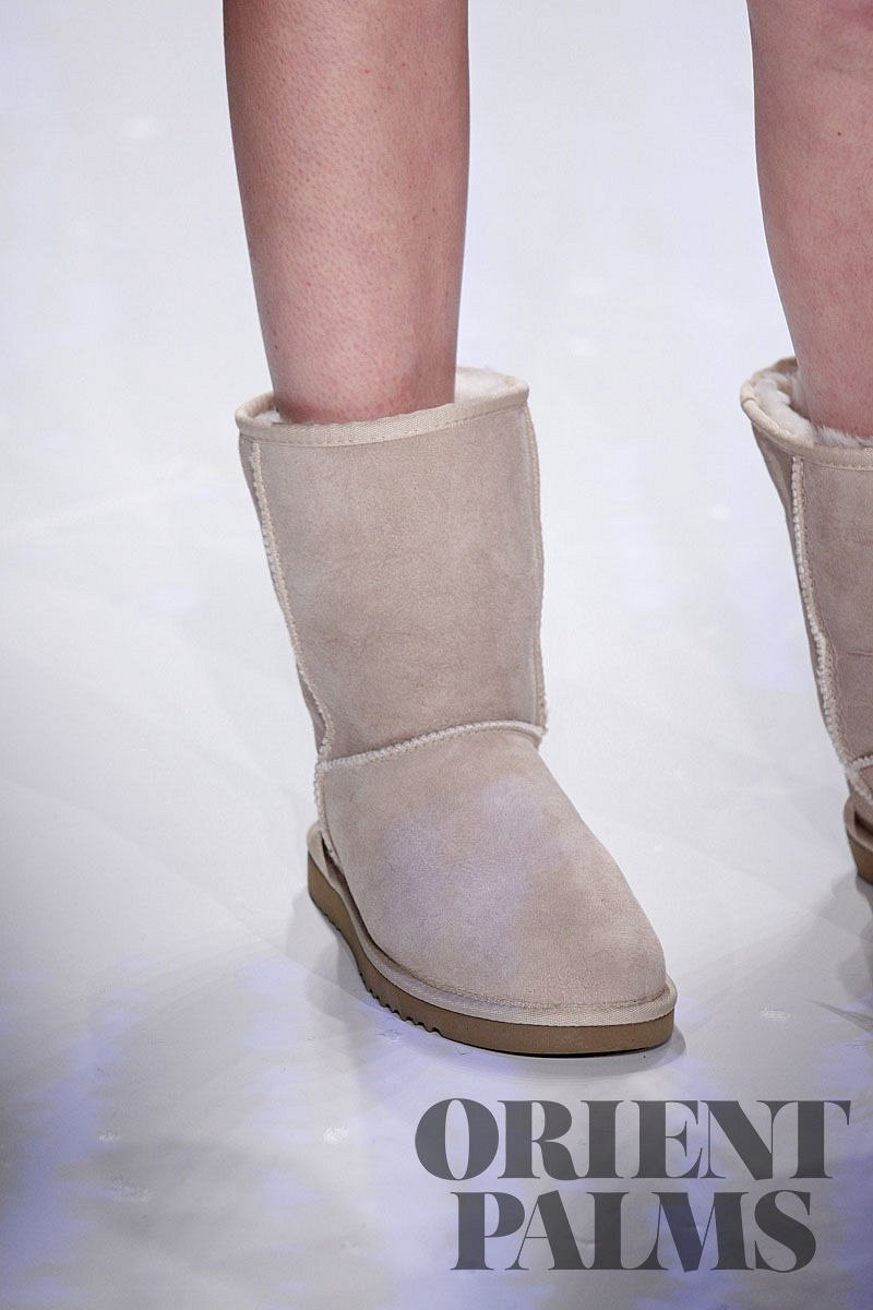 UGG Australia and Antonia Zander Fall-winter 2009-2010 - Ready-to-Wear - 11