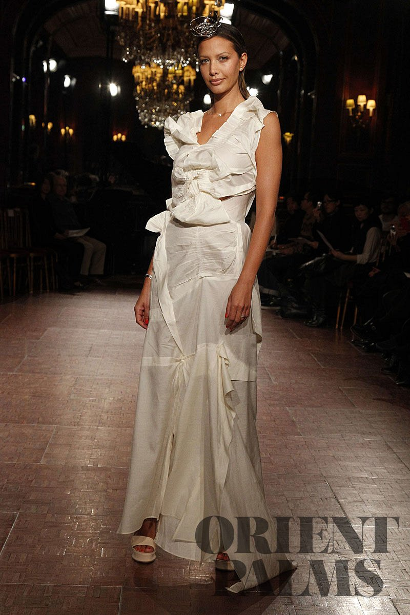 Yoshiki Hishinuma Spring-summer 2012 - Couture - 1