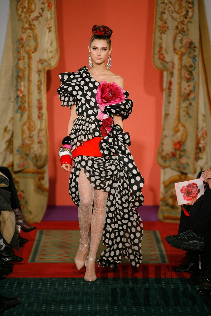 Christian lacroix spring summer 2009 couture for La couture clothing