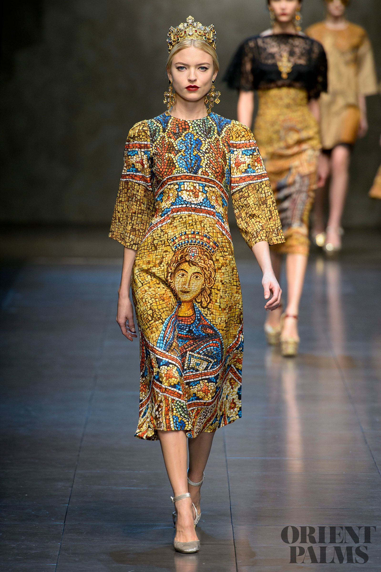 2106b8f2 Dolce & Gabbana Fall-winter 2013-2014 - Ready-to-Wear