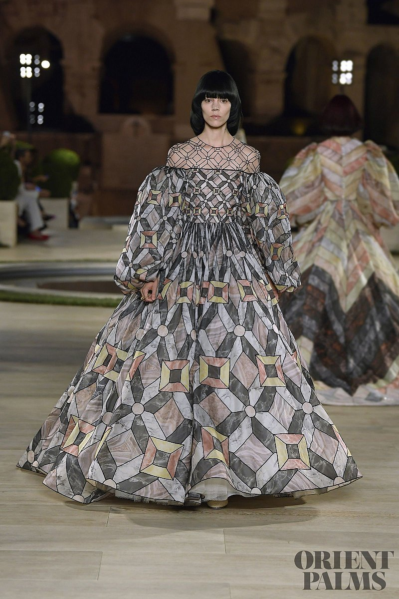 Fendi Fall-winter 2019-2020 - Couture - 1