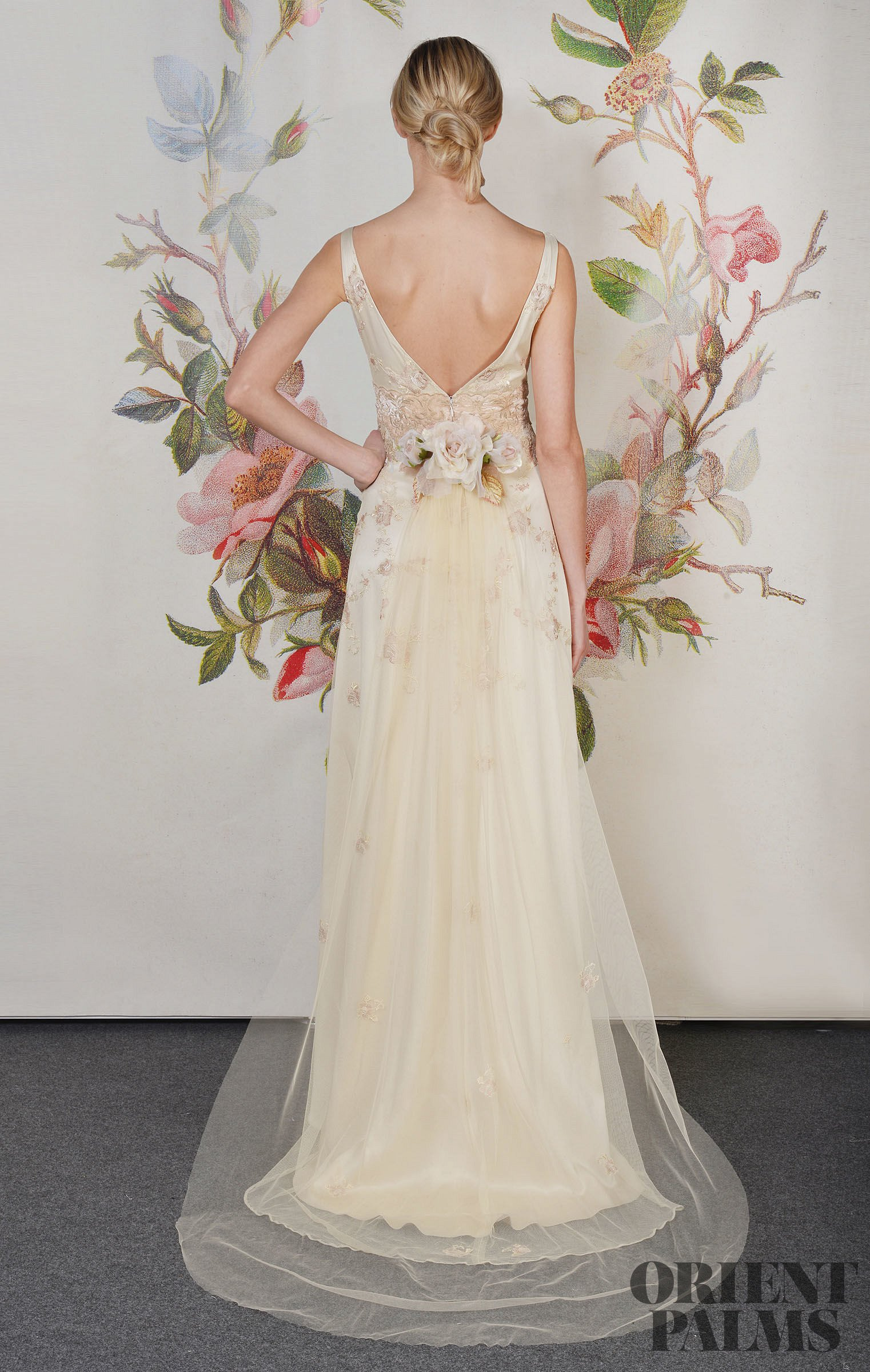 Claire pettibone decoupage 2013 collection bridal for Wedding dress claire pettibone