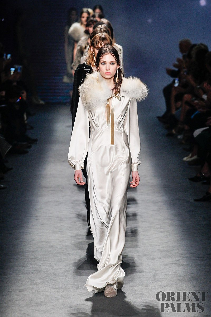 Alberta Ferretti Fall-winter 2016-2017 - Ready-to-Wear - 1