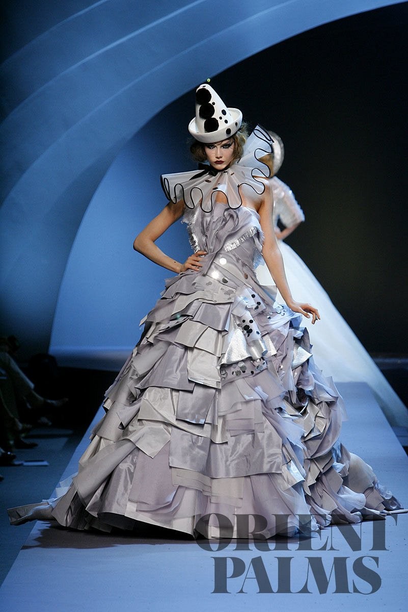 Dior Fall-winter 2011-2012 - Couture - 1