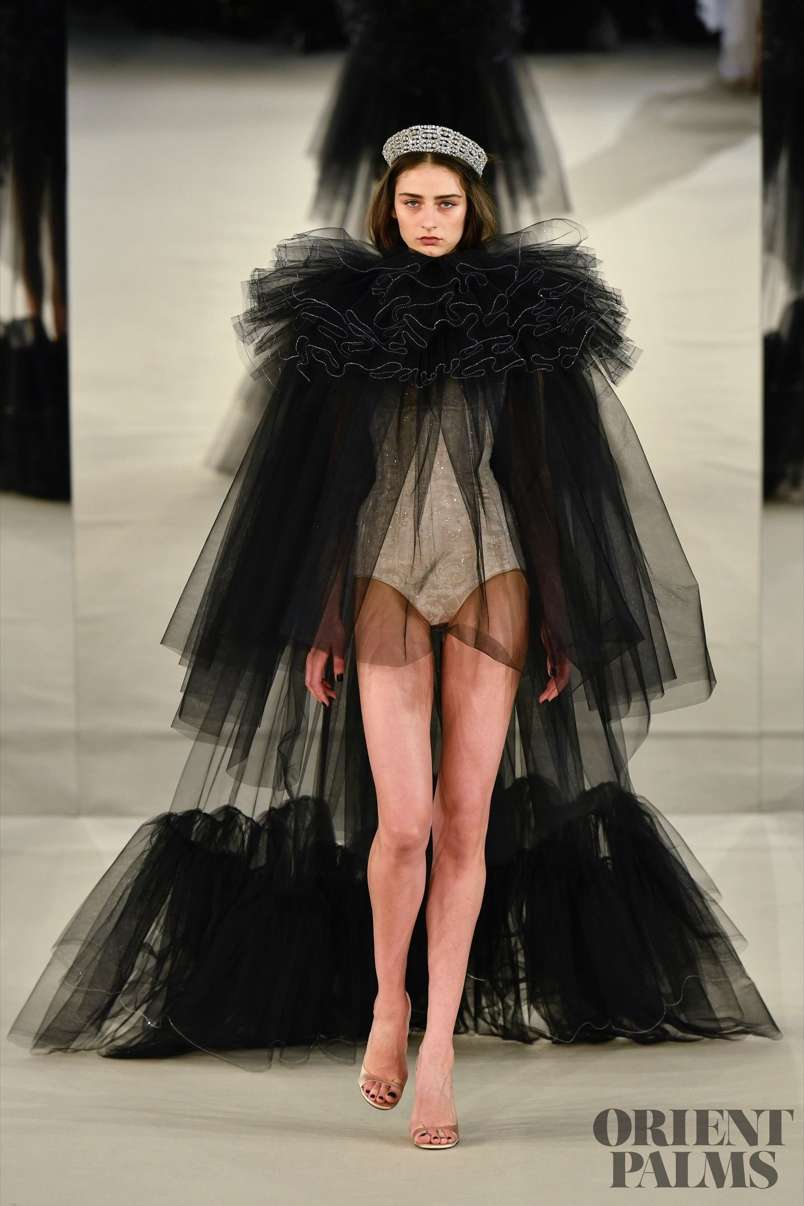 Alexis mabille s s 2017 official pictures couture for Haute official