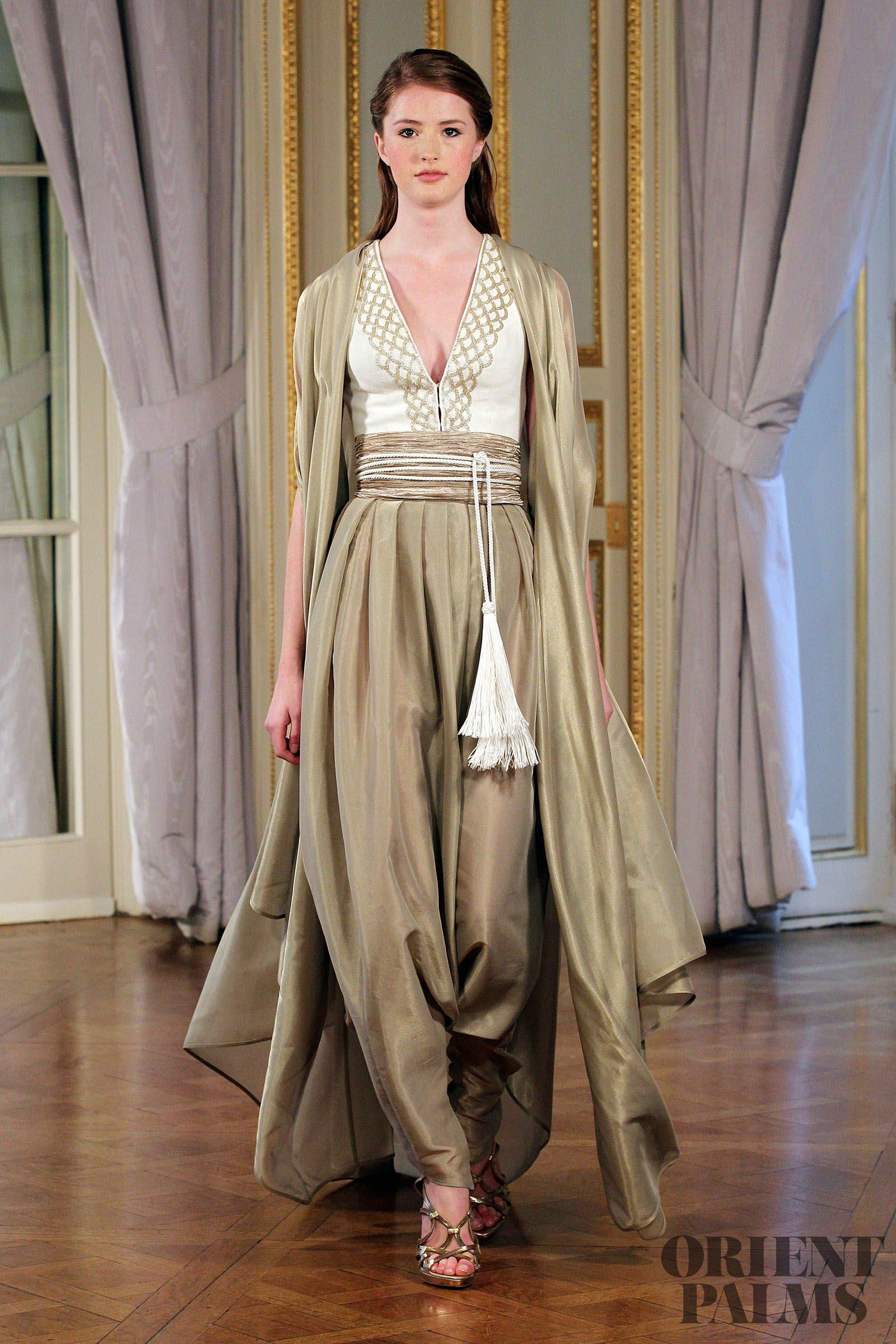 Dilek hanif spring summer 2013 couture for Vente robe chaoui