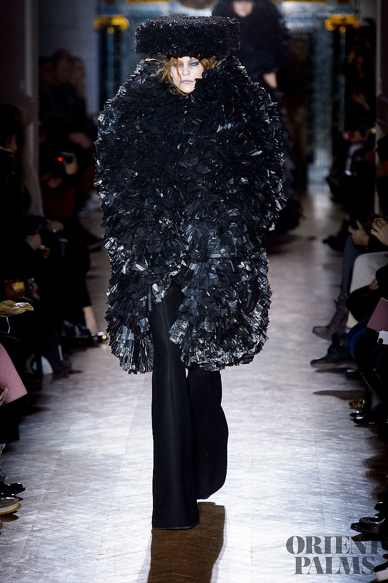 Gareth Pugh Fall-winter 2013-2014 - Ready-to-Wear - 1