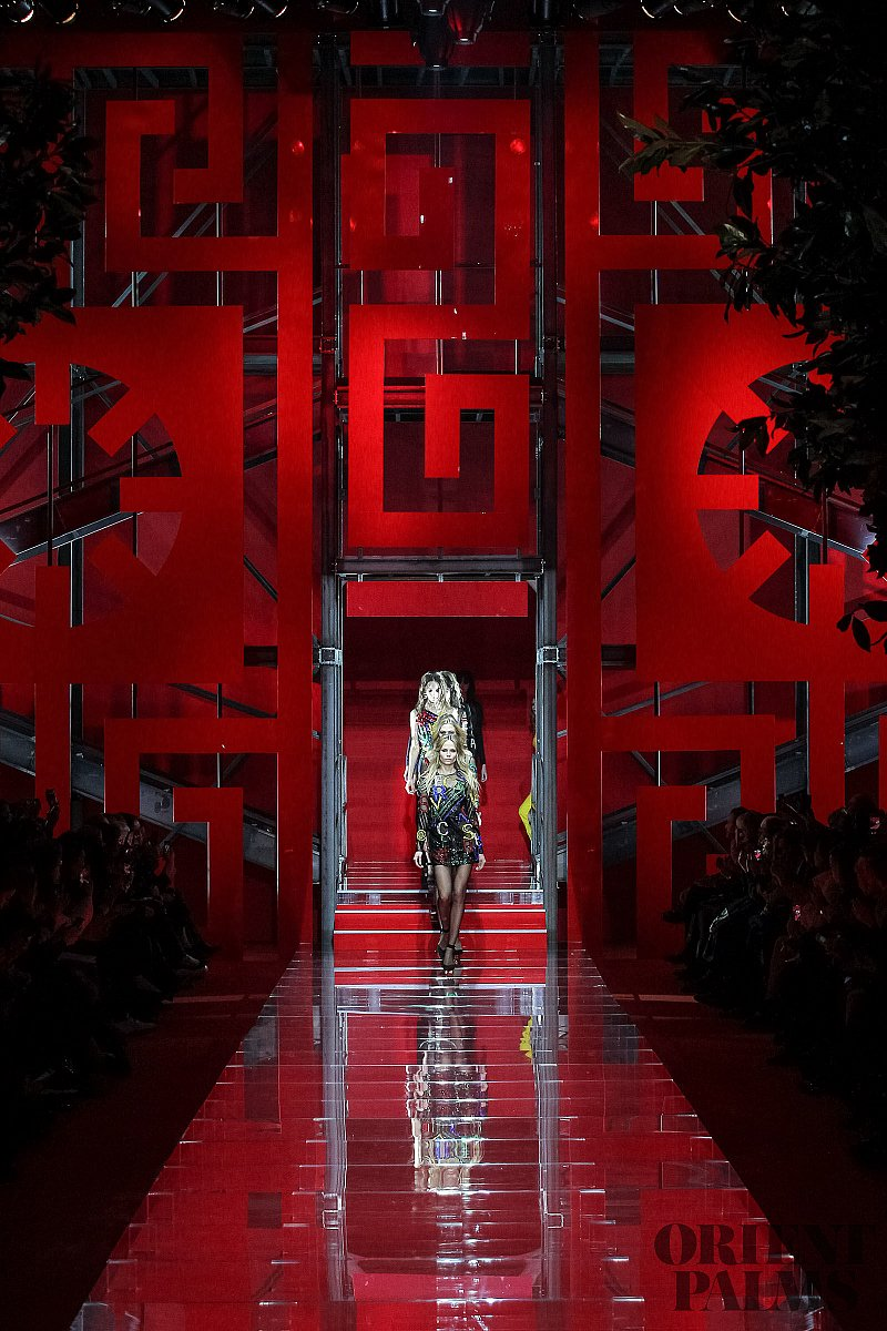 Versace Fall-winter 2015-2016 - Ready-to-Wear - 1